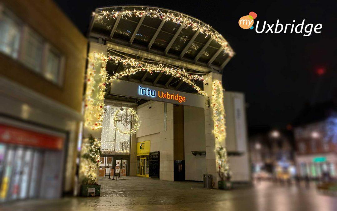 Christmas Lights are on in Uxbridge